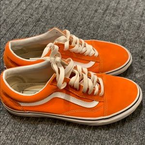 Low vans. Warn a few times. Too small
